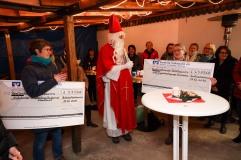 Beim diesjährigen Rentierbasar ist eine beachtliche Summe zusammengekommen, die an die AWO Jugendgruppe Dinslaken und dem Ambulanten Kinder- und Jugendhospiz Gladbeck überreicht wurde.